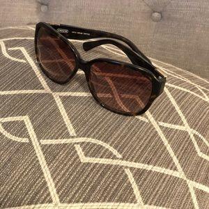 Stylish Layla Coach sunglasses in Tortoise